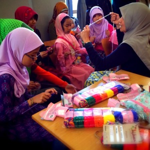 Knitting Tutorial by Sist. Noor, Malaysia for Girls